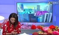 Hoa hậu cúi đầu xin lỗi trên TV vì bán khẩu trang giá cao giữa đại dịch corona
