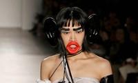 Người mẫu hoá khỉ trên sàn diễn thời trang gây 'sốc'