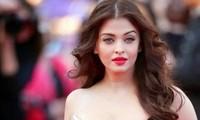 'Hoa hậu Thế giới đẹp nhất mọi thời đại' cùng chồng và con gái mắc COVID-19