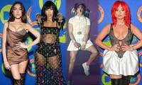 Dàn mỹ nhân khoe vòng 1 'khủng' tại EMAs 2020, sao nam mặc váy ngắn gây 'sốc'