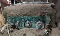 Phát hiện cỗ xe ngựa rước dâu 2.000 năm tuổi, có khắc ảnh mô tả cảnh quan hệ tình dục