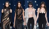 Bella Hadid 'thả rông', loạt người mẫu lộ nguyên vòng 1 trên sàn catwalk