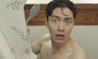 Phim Hàn bị 'ném đá' vì chiếu cảnh tắm khỏa thân của nam chính