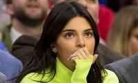 'Chân dài đắt giá nhất thế giới' Kendall Jenner bị kiện đòi 1,8 triệu USD