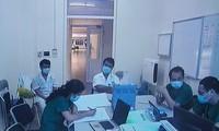 Bác sĩ khoa Cấp cứu BV Bệnh Nhiệt đới T.Ư hội chẩn ca bệnh