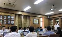 TS. Dương Đức Hùng, PGĐ Bệnh viện Bạch Mai trả lời báo chí Ảnh: Thái Hà
