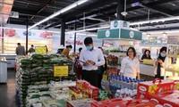 Dịch COVID-19 bùng phát, đi siêu thị, trung tâm thương mại thế nào cho an toàn?