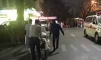 Bệnh nhân bị TNGT cấp cứu ở bệnh viện Việt Đức. Ảnh: Thái Hà