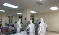 Ca COVID-19 nặng nhất được 2 xe cứu thương và kíp bác sĩ hộ tống từ Đà Nẵng vào TPHCM