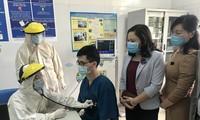 Quảng Ninh bắt đầu tiêm vắc xin ngừa COVID-19