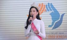 Hoa hậu Đỗ Thị Hà tâm sự xúc động với các tân thủ khoa