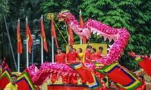 Chiêm ngưỡng 'rồng bay' trên phố đi bộ hồ Hoàn Kiếm