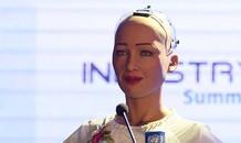 Robot Sophia chọn đội nào vô địch World Cup 2018?