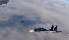 Xem chiến đấu cơ Nga tiếp nhiên liệu cực khó trên không