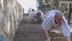 VIDEO: Mục kích võ tăng Thiếu Lâm trình diễn tuyệt đỉnh kungfu