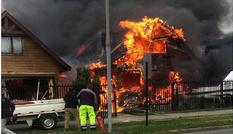 Máy bay rơi trúng nhà dân và phát nổ ở Chile