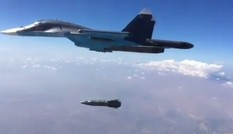 Cận cảnh chiến đấu cơ Nga Su-34 thả bom đầy uy lực