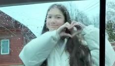 Yến Xuân lưu luyến tạm biệt gia đình Văn Lâm ở Nga
