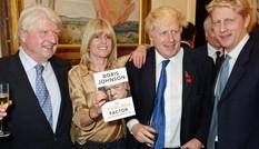 Thủ tướng Anh bị em gái chê 'vô vị'