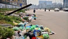 Hà Nội: Nhiều đoạn đường nghìn tỷ bỗng thành bãi rác khổng lồ