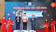 """Tiếp sức Thủ khoa ĐH Đà Nẵng """"vượt bão lũ"""" đi học"""