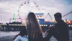 Khi yêu bỗng bất an đủ thứ, ai cũng bị những ám ảnh này. Đừng lo, có thuốc giải!