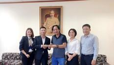 Nhà hảo tâm tặng chăn, hỗ trợ cho học sinh ở vùng sạt lở Trà Leng