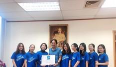Học sinh chuyên ngữ Hà Nội ủng hộ miền Trung