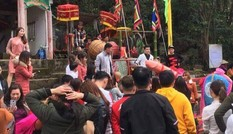 Thực hư người đàn bà có hành động phản cảm ở Lễ hội Ná Nhèm