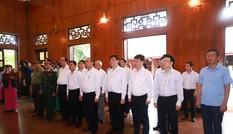 Thủ tướng Nguyễn Xuân Phúc làm việc với tỉnh Nghệ An và Quân khu 4