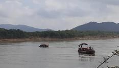 Tìm kiếm người lái thuyền rơi xuống sông Lam mất tích trong đêm