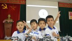 Hơn 500 học sinh tham gia ngày hội Robothon