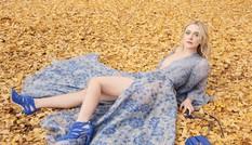 Dakota Fanning yêu kiều như thiên thần giữa vườn cổ tích