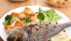 Vì sao ăn cá giúp giảm ung thư tuyến tụy?