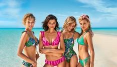 Dàn 'chân dài' đình đám diện bikini 'thổi bay' nắng hè
