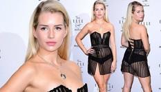 Em gái siêu mẫu Kate Moss táo bạo lộ nội y với váy như rèm cửa