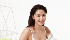 Nữ ca sĩ xứ Hàn gợi cảm ngất ngây trong loạt ảnh nội y