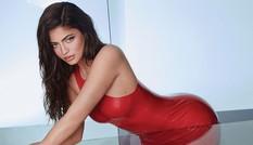 Ngắm đường cong 'đồng hồ cát' tròn đầy của Kylie Jenner