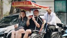 Xe ôm, xích lô ở Hà Nội phải đeo thẻ, có giấy phép đăng ký kinh doanh?