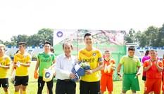 Tổ chức trận bóng nhằm gây quỹ ủng hộ đồng bào miền Trung