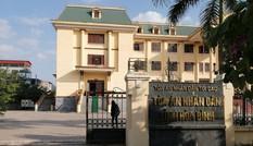 Bộ Công an thanh tra vụ bị truy nã vẫn làm Chánh văn phòng TAND huyện