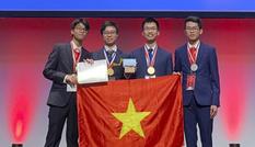 Hai lần liên tục đoạt Huy chương Vàng Olympic quốc tế được tặng Huân chương Lao động