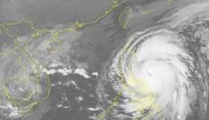 Bão VAMCO tăng cấp rất nhanh, tiếp tục gây mưa lớn ở miền Trung