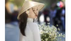 Diện áo dài trắng tinh khôi, Á khôi Phan Thanh Thảo hút hồn mọi ánh nhìn ngày kỷ yếu