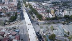 Cận cảnh cầu vượt nút giao thông Nguyễn Văn Huyên - Hoàng Quốc Việt sắp thông xe
