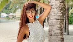 """Siêu mẫu Hà Anh diện bikini khoe eo con kiến cùng chồng ở """"bãi biển thiên đường"""""""