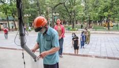 Hà Nội: Quận Bắc Từ Liêm lắp ATM gạo phát miễn phí cho người khó khăn