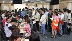 Nhân viên Samsung Việt Nam xếp hàng đăng ký hiến máu Chủ nhật Đỏ