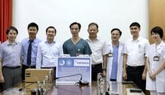'Tiếp sức' máy siêu âm, máy phá rung tim đến bệnh viện Bạch Mai phòng chống dịch