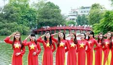 """Thanh niên thi video clip thể hiện """"Tự hào Việt Nam"""""""